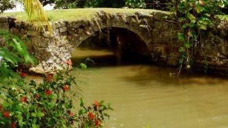 關島西班牙古橋 Talefac Spanish Bridge