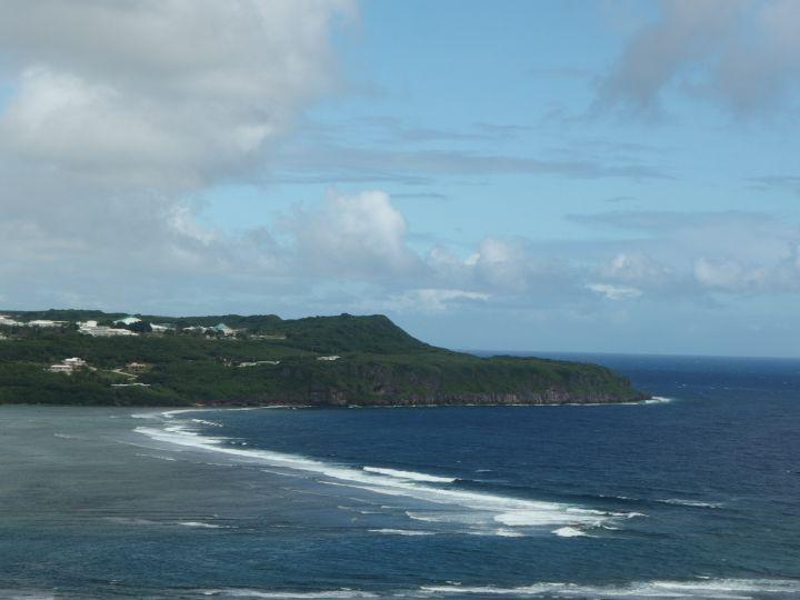 來到貝果灣,不妨吹著舒服的海風,好好欣賞關島最美麗的東海岸。