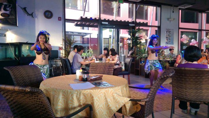 充滿歡樂氣氛的查莫洛舞蹈秀。(圖片提供/關島之家成員Lilian Hsu)