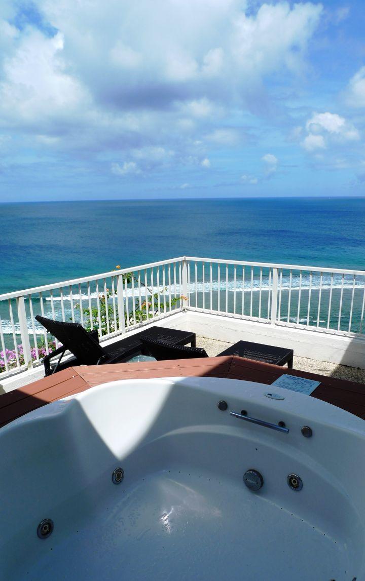 最高等級Laguna Siute套房,有戶外按摩浴缸的頂級享受。