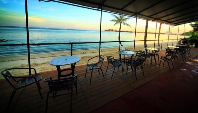 室外用餐區正面面海的無敵海景。