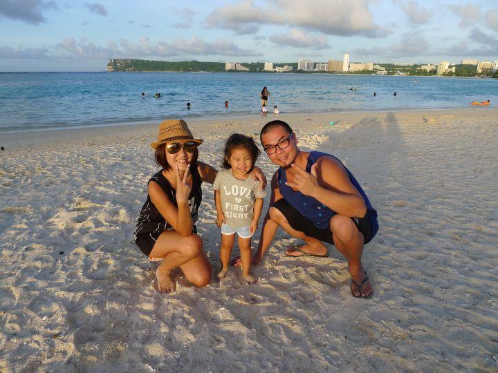 怡寶沙灘適合全家大家一起來野餐。
