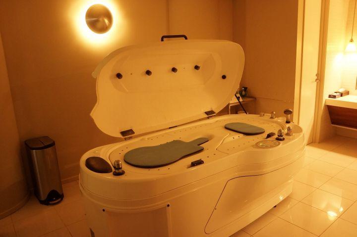 在所有的Spa療程中,以全身按摩與臉部護理最為有名。