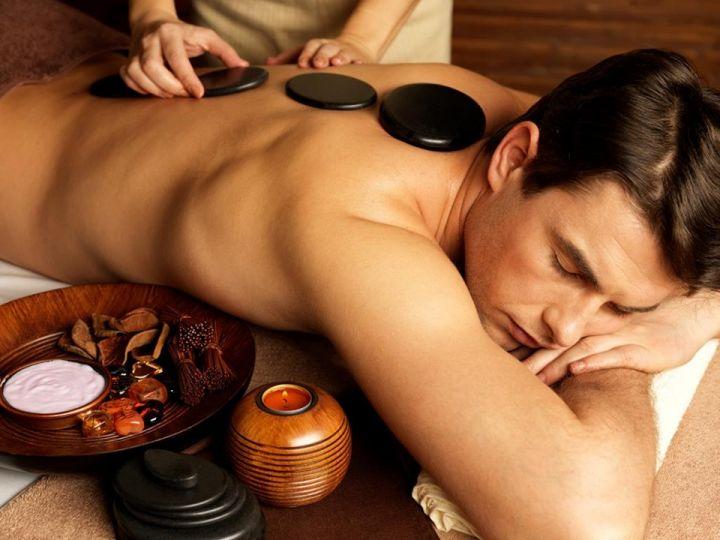 Chandan Spa提供給顧客完全的身心靈放鬆療程,取材自亞洲多個不同地區的Spa療程,讓客人得以重獲生機與年輕肌膚。