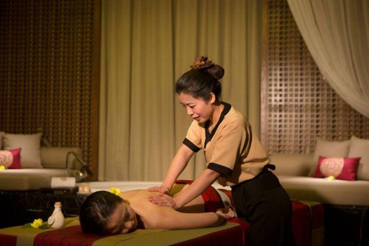 Angsana Spa最受歡迎的泰式拉筋按摩療程。