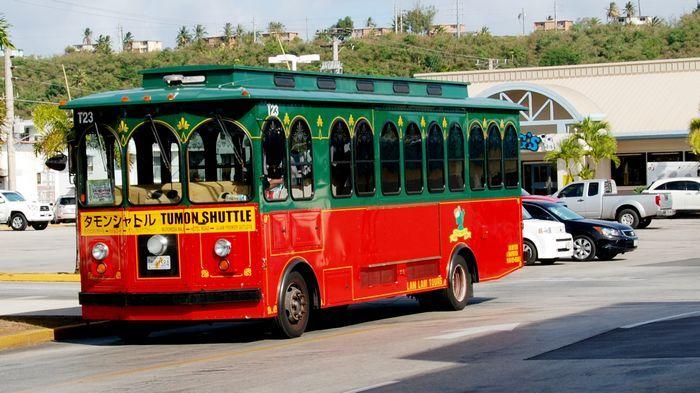 Lam Lam Bus噹噹車又稱Red Guahan Shuttle。