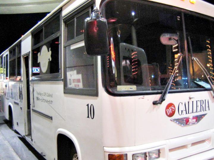 DFS除了提供免稅精品外,亦提供免費接送巴士。