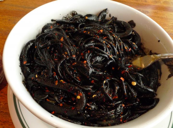 又黑又香的墨魚麵(Squid Ink Spaghetti)最經典。
