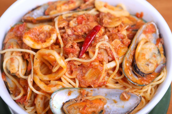 店內招牌菜海鮮義大利麵(Seafood Spaghetti)。