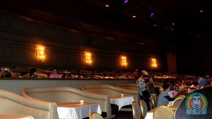 到關島晚上要看有百老匯 fu的歌舞秀就是沙堡秀了!
