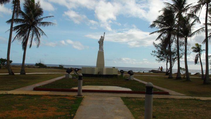 自由女神像位在巴西歐廣場最前端。