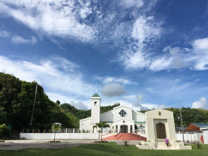 馬利索鐘塔對面是San Dimas Catholic Church。