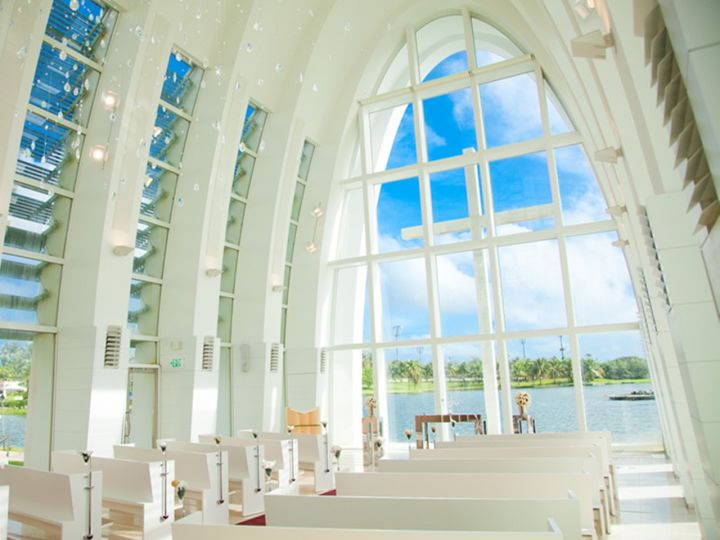 黛安妮洛水晶教堂Del' Anello Chapel,義大利文是戒指的意思。