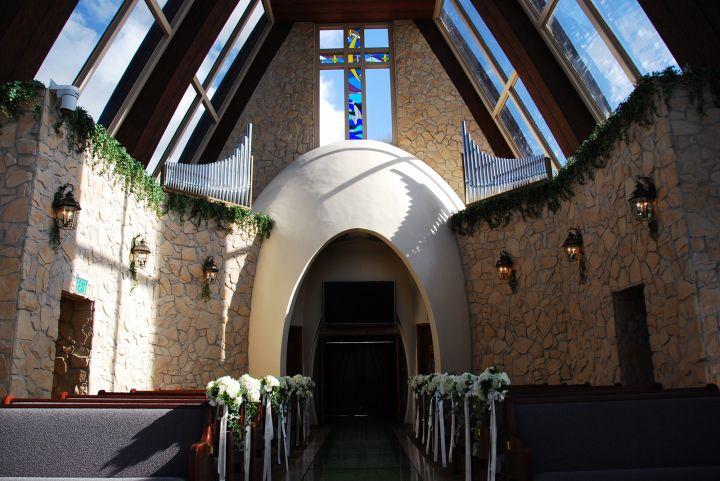最有關島本地設計味的教堂。