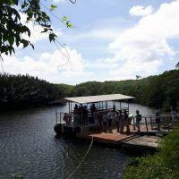 關島叢林之河探險