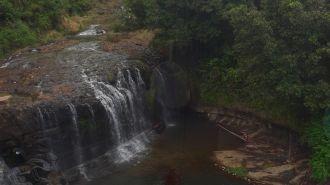 關島泰拉佛佛瀑布公園  Talofofo Falls Park