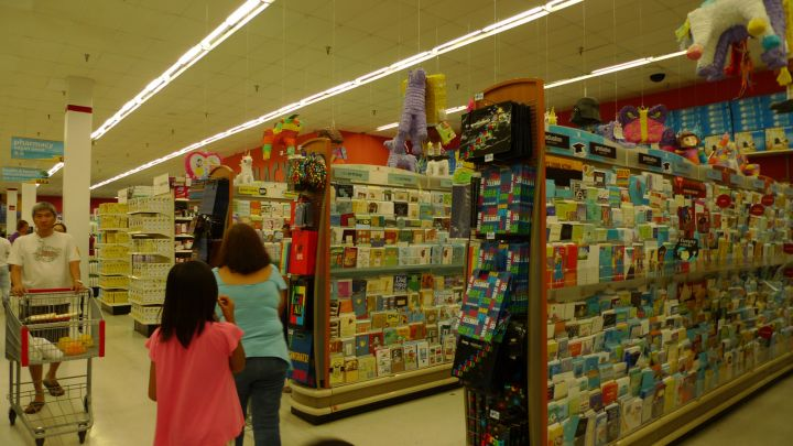 K-Mart是24H營業。