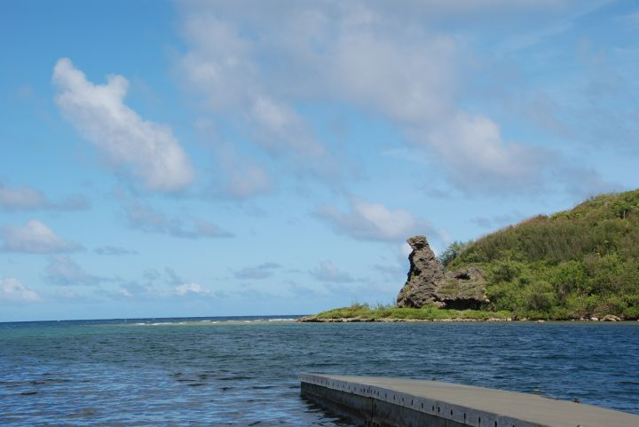 熊岩在關島當地可是很受當地人尊敬的。