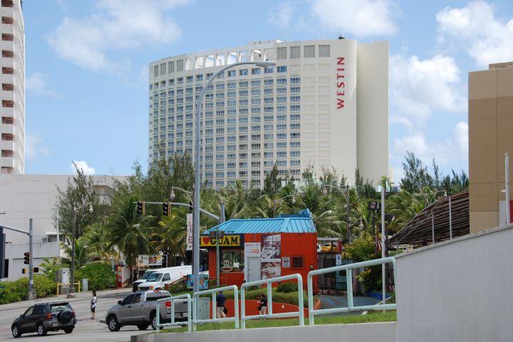 關島威斯汀飯店外觀。