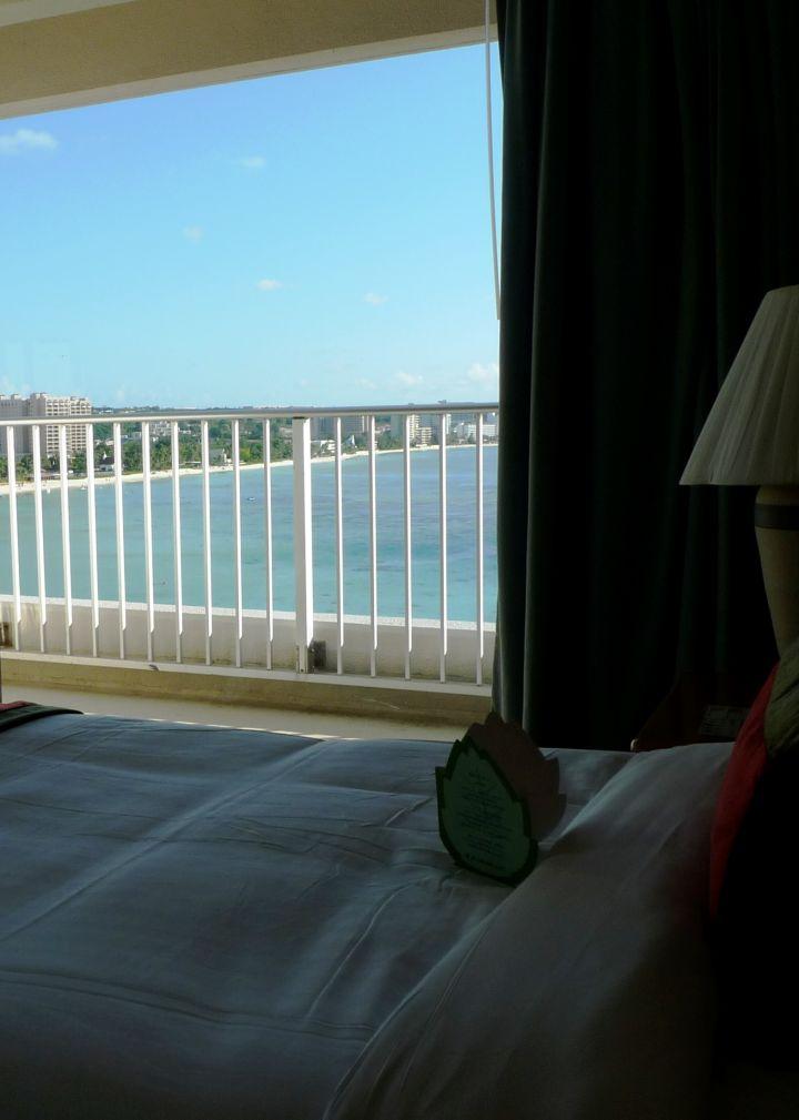 飯店最高等級房型,躺著就可以看到杜夢灣!