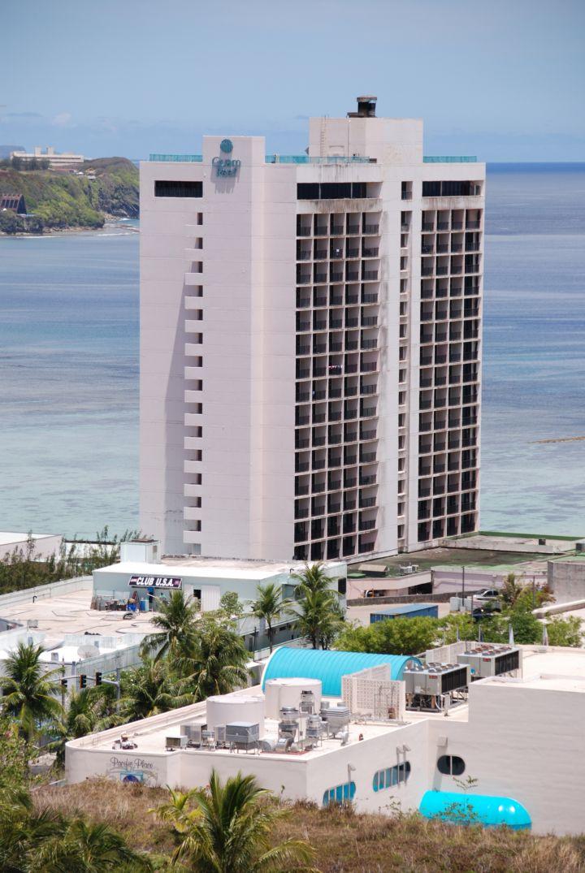 關島珊瑚礁飯店外觀。