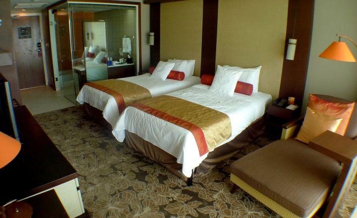 房間內部延續飯店整體高級感,不走慵懶渡假風。