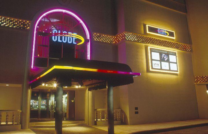 GLOBE跟台灣的夜店大同小異,音樂風格以嘻哈為主,也會參雜著時下的流行音樂與電音。