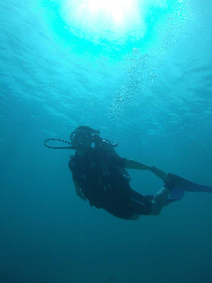 朋友們別小看體驗潛水,看來只是人泡在水底但實際上頗費體力。