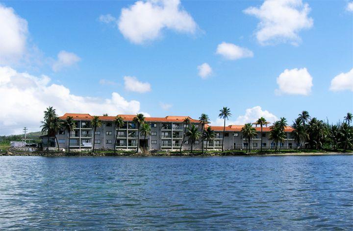 海上看飯店外觀。
