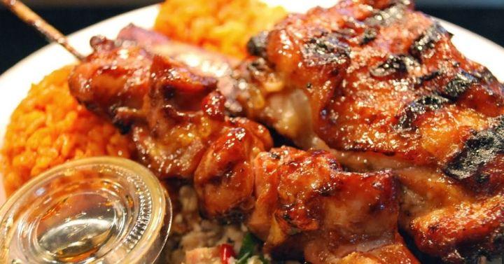 熱愛吃辣又愛使用醬汁的查莫洛性格在他們的料理中表現無遺。