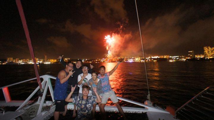 包船欣賞跨年煙火超嗨的!