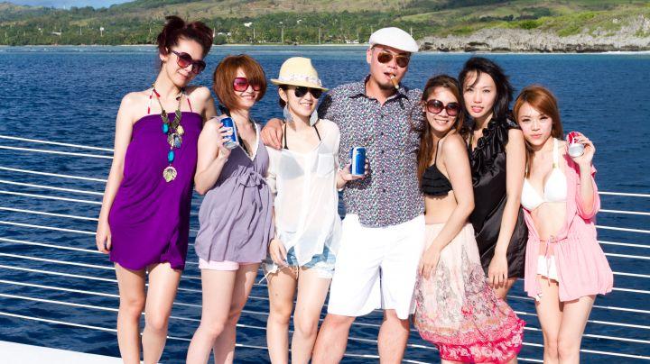 After Party婚禮派對搬至船上舉辦,別有趣味。