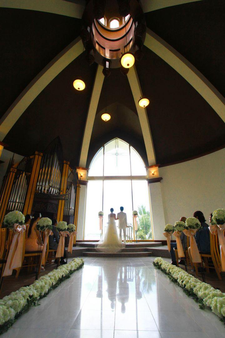 水之交響曲 Aqua Symphony Chapel座落在樂天飯店腹地內。