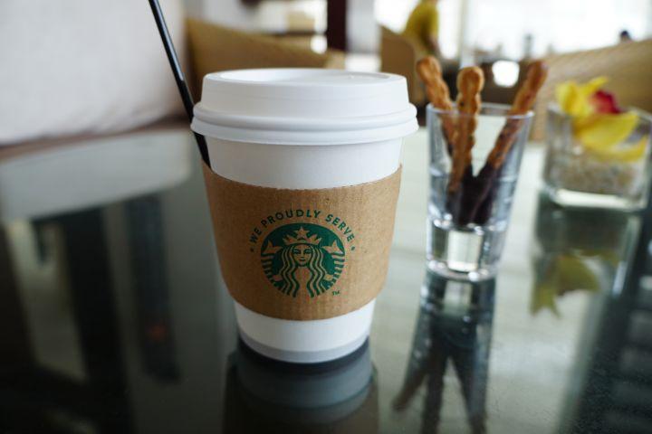 喜歡星巴克咖啡的朋友,在這裡也喝得到喔。