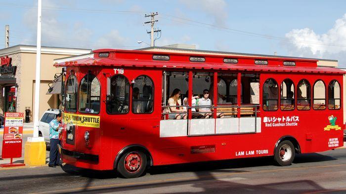 可愛的外觀加上半開放式車廂設計,坐上噹噹車就讓人有股度假fu。