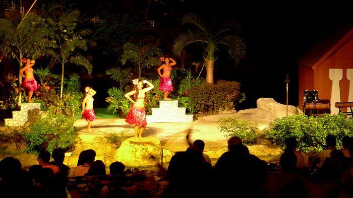 如果在關島想看場面最大最精彩的原住民舞蹈秀,這就是第一選擇了。