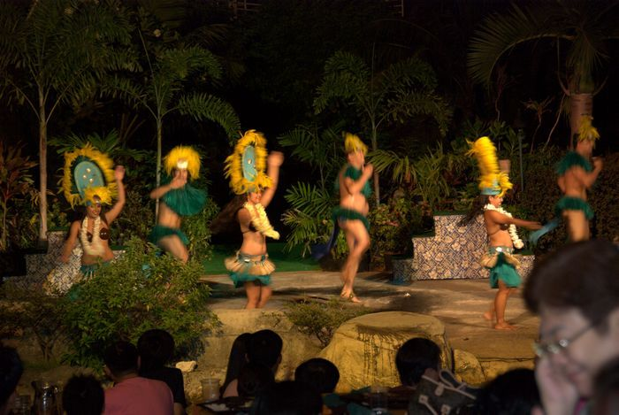 太平洋島嶼渡假村 PIC的晚餐秀全名叫做「太平洋夢幻之夜」,在關島最大的露天劇場-Amphi Theater上演,場面氣勢特別壯闊。