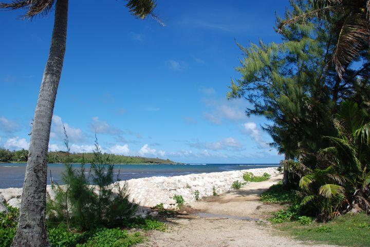 傑夫帕哥查莫洛文化村位於關島南部4號公路上。