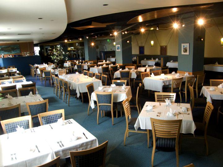 Sea Grill餐廳(此餐廳非水族館隧道餐廳),位於水族館同棟3F。