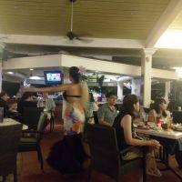 關島希爾頓飯店晚餐秀